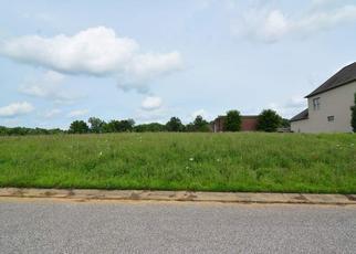 Foreclosed Home in ASHFORD DR, Newburgh, IN - 47630