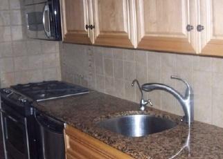 Foreclosed Home en SHORE RD, Long Beach, NY - 11561