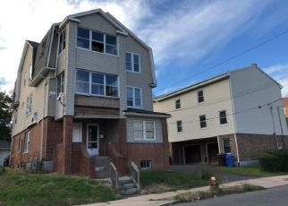 Foreclosed Home en GEORGE ST, Hartford, CT - 06114