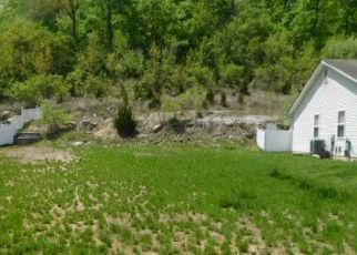 Foreclosed Home en CALEB XING, Fenton, MO - 63026