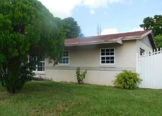 Foreclosed Home en NW 200TH ST, Opa Locka, FL - 33055