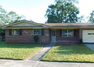 Foreclosed Home en SABENA RD, Jacksonville, FL - 32207