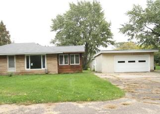 Foreclosed Home en CARRIE ST, Saint Paul, MN - 55118
