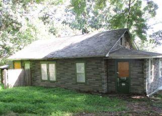 Casa en ejecución hipotecaria in Blackwood, NJ, 08012,  BEECH AVE ID: F4314514