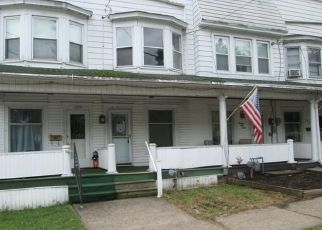 Foreclosed Home en W LYNN ST, Coal Township, PA - 17866