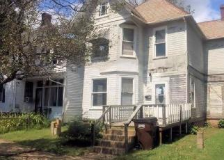 Foreclosed Home en MAPLE ST, Marietta, OH - 45750