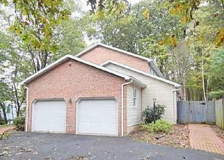 Foreclosed Home en BERRY MOUNTAIN RD, Millersburg, PA - 17061