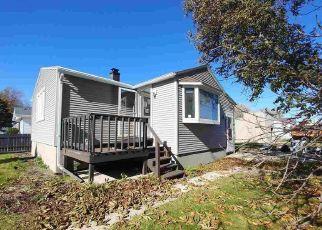 Foreclosed Home en NAVARINO ST, Algoma, WI - 54201