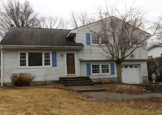 Foreclosed Home in COMMODORE DR, Lake Hopatcong, NJ - 07849