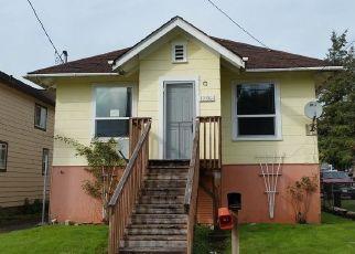 Foreclosed Home en E 1ST ST, Aberdeen, WA - 98520