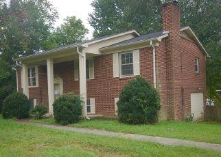 Casa en ejecución hipotecaria in Botetourt Condado, VA ID: F4315219