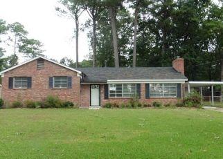 Foreclosed Home in KESWICK LN, Hampton, VA - 23669