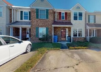 Foreclosed Home en NOTTAWAY DR, Chesapeake, VA - 23320