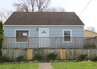 Foreclosed Home en CORINTHIA ST, Lockport, NY - 14094