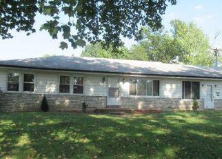 Foreclosed Home en CENTER AVE, Saint Louis, MO - 63136