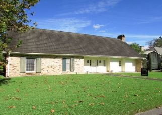 Foreclosed Home in EVERGREEN ST, Thibodaux, LA - 70301