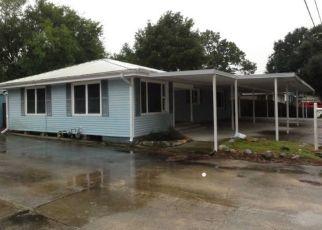 Foreclosed Home in SYLVIA ST, Lafayette, LA - 70506