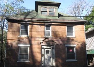 Foreclosed Home en PERSHING AVE, Leechburg, PA - 15656