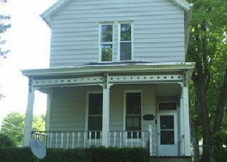 Foreclosed Home in N 6TH ST, Quincy, IL - 62301