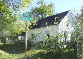 Foreclosed Home in N 10TH ST, Quincy, IL - 62301