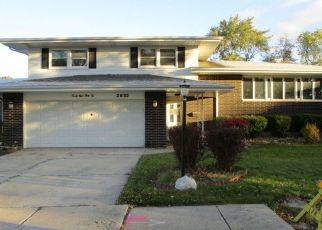 Foreclosed Home in 193RD PL, Lansing, IL - 60438