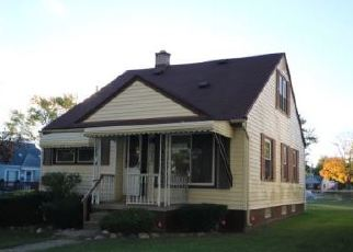Foreclosed Home in OAKLEY RD, Clawson, MI - 48017