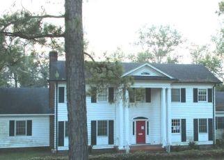 Foreclosed Home en WOODLAND DR, Kingstree, SC - 29556