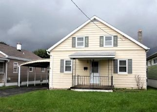 Foreclosed Home en DELONE AVE, Mc Sherrystown, PA - 17344