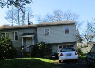 Foreclosed Home en N HAWTHORNE AVE, Langhorne, PA - 19047