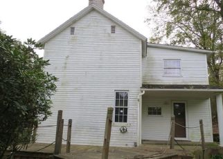Foreclosed Home en CROW ST, Coal Center, PA - 15423