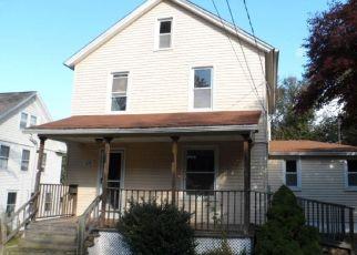 Casa en ejecución hipotecaria in Middletown, CT, 06457,  CHESTNUT ST ID: F4316381