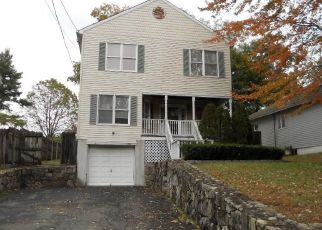 Foreclosed Home in BROOKSIDE DR, Darien, CT - 06820