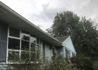 Foreclosed Home en WHEELER HILL DR, Durham, CT - 06422