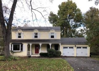 Foreclosed Home in MOUNTAIN VIEW AVE, New Milford, CT - 06776
