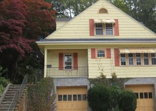 Foreclosed Home en PLEASANT ST, Putnam, CT - 06260