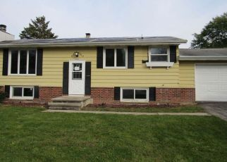 Foreclosed Home en HERITAGE TRL, Oshkosh, WI - 54904