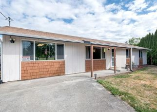 Foreclosed Home en JEFFERSON AVE, Buckley, WA - 98321