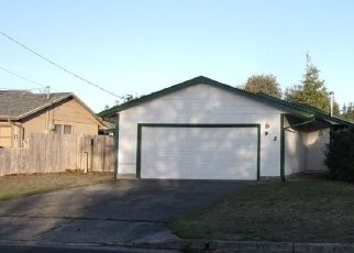 Foreclosed Home in SANFORD ST, Coos Bay, OR - 97420