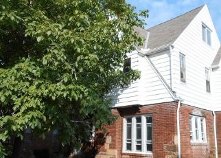 Foreclosed Home en MEREDITH AVE, Cleveland, OH - 44119