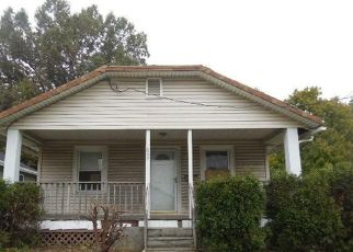 Foreclosed Home en E ARCHWOOD AVE, Akron, OH - 44306