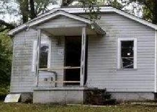 Foreclosed Home en E 47TH ST, Kansas City, MO - 64133