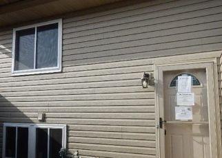 Casa en ejecución hipotecaria in Lake Elmo, MN, 55042,  LISBON AVE N ID: F4316902