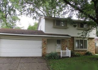 Foreclosed Home en WINDWARD DR, Lansing, MI - 48911