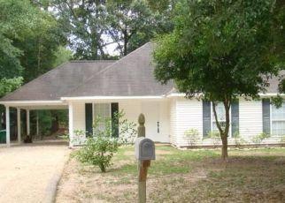 Foreclosed Home in HOMESTEAD ST, Covington, LA - 70435