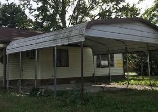Foreclosed Home in S KENTUCKY ST, Jasonville, IN - 47438