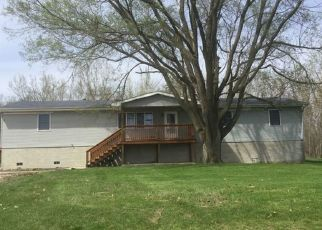 Foreclosed Home in E 1850 NORTH RD, Watseka, IL - 60970