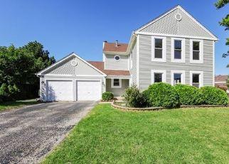 Foreclosed Home en OAK KNOLL LN, Schaumburg, IL - 60192
