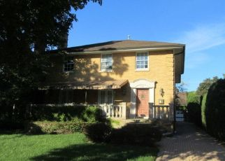 Foreclosed Home en LATHROP AVE, River Forest, IL - 60305