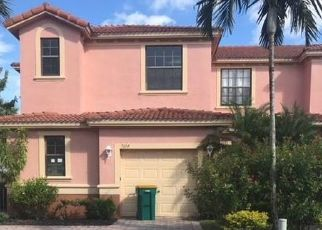 Foreclosed Home in BRISTOL CIR, Naples, FL - 34120