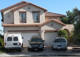 Foreclosed Home en SHELDON AVE, Canyon Country, CA - 91351